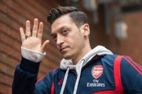 FROZEN: Arsenal Renew Bid To Offload Mesut Ozil After Failing To Sell Him